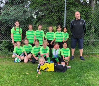 Das Mädels-Team um Trainer Alex Gahbauer