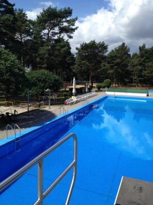 Vorschaubild zur Meldung: Öffnungszeiten der Schwimmbäder in Lübars, Möckern und Ziepel für die Badesaison 2019
