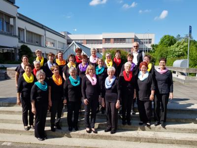 Foto zur Meldung: Frauenchor Schenklengsfeld Teilnahme am Festakt 100 Jahre Sängerkreis
