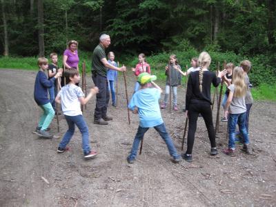 Vorschaubild zur Meldung: Waldtag Klasse 4, 2019 (mit Videos)