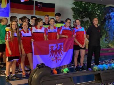 Foto zur Meldung: Kegeln: Elbe-Elster Auswahl U18 weiblich mit Kegelerinnen unseres Vereins sind Deutscher Meister