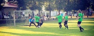 Foto zur Meldung: Fußball: Turniersiege für Blau Gelb 90 und Staffelsieg für die Ü35