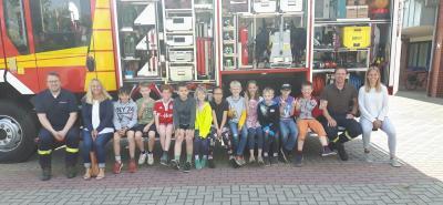 Foto zur Meldung: 2018/2019 Feuerwehrbesuch Kl. 3a