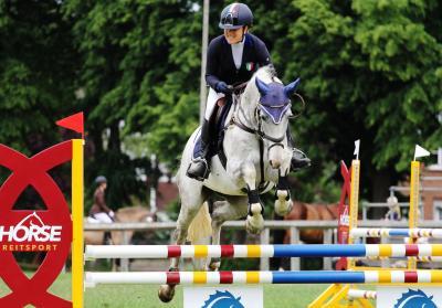 Margherita Bonaccorsi und Lucanis - Kreismeister Junge Reiter im A-Springen