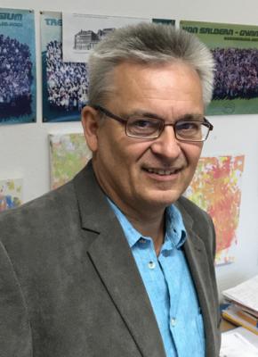 Vorschaubild zur Meldung: Verabschiedung des bisherigen Schulleiters Thomas Reuß