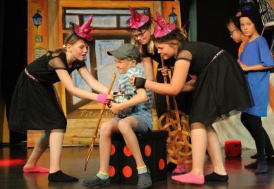 Foto zur Meldung: Heute!! Schüler-Musical mit bösen Hexen und König Gier