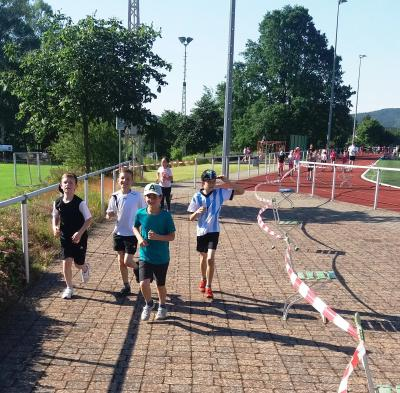 Foto zur Meldung: Lauftag mit Abnahme des Laufabzeichens