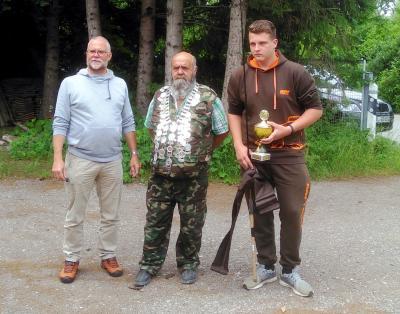 Ehrung des Fischerkönigs/Fischerprinzen durch den 1. Vorstand Uli Graßl