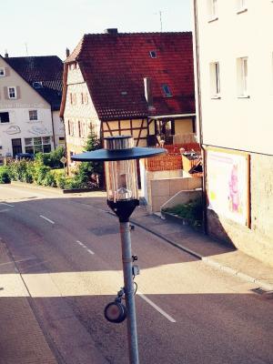 Straßenbeleuchtung im Ortskern