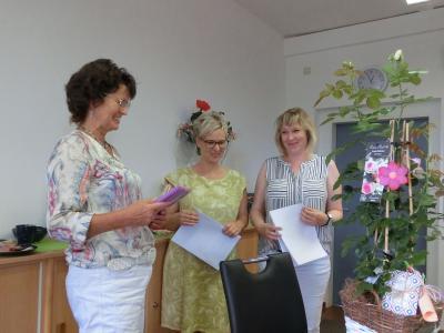 Jutta Thiele-Radlach (links) freut sich auf ihren Ruhestand.