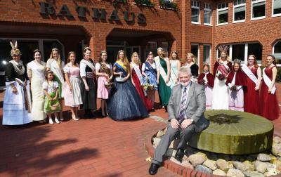 Foto zu Meldung: Königinnentreffen bei Kaiserwetter in Fredenbeck und Kutenholz