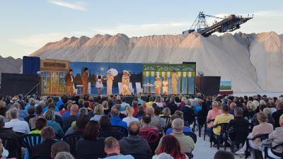 Foto zur Meldung: Sommerabend auf dem Salzberg – letztes Wochenende der 20. Kalimandscharo-Festspiele Zielitz