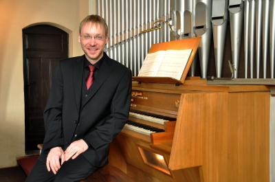 Foto zur Meldung: Orgelvesper mit René und Brunhilde Mangliers aus Thalheim