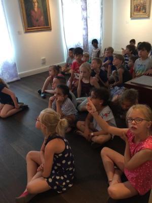 Vorschaubild zur Meldung: Die Kinder des 1. Schuljahres besuchen das museumspädagogische Programm im Haus Opherdicke!