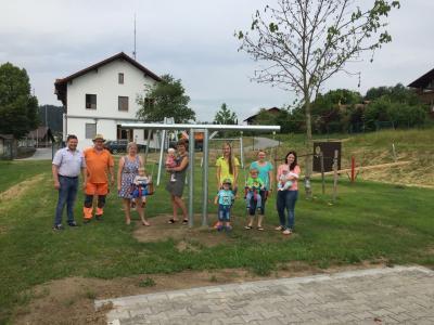 Foto zu Meldung: Neuer Spielplatz in Prackenbach