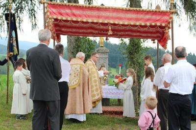 Foto zur Meldung: Fronleichnams-Nachfeier in der Filialkirche St. Peter und Paul