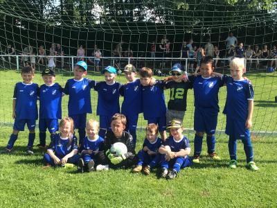 Foto zur Meldung: Fußball: G-Junioren zu Gast beim Jubiläum in Salza!