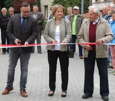 Vorschaubild zur Meldung: Parkstraße in Nackel feierlich übergeben