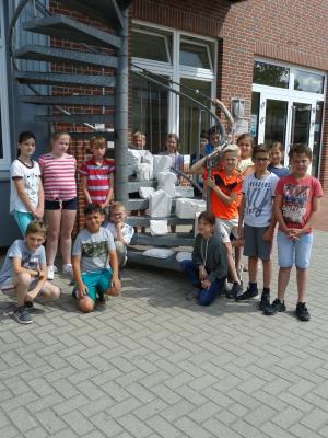 Foto zur Meldung: 2018/2019 Bildhauerei mit der Klass 4a