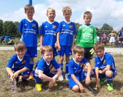 Foto zur Meldung: Fußball: Neuformierte F - Juniorenmit ersten Wettkampferfahrungen