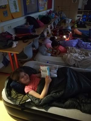 Foto zur Meldung: Lesenacht der Klassen 3a,b