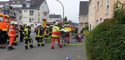 Foto zur Meldung: Gemeinsame Übung mit der Berufsfeuerwehr und der Löschgruppe Dellbrück