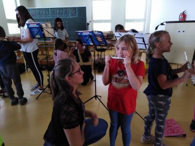 Vorschaubild zur Meldung: Musik in der Schule