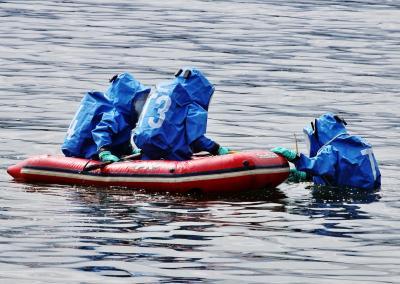 Foto zur Meldung: Fass im Schmalensee – Einsatz für die Feuerwehr