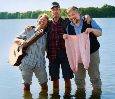 Drei Männer im See - Die Entermänner Mathias Winkler, Nils Loenicker und Gerd Spiekermann