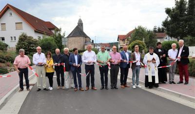 Vorschaubild zur Meldung: Verkehrsfreigabe und Segnung der K88 in Flieden-Döngesmühle