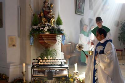 Vorschaubild zur Meldung: Hochfest Mariä Himmelfahrt mit anschließender Kräuterweihe in Prackenbach 15.08.2019