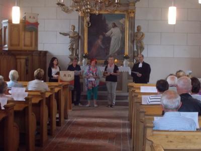Foto zur Meldung: Platt in de Kirch