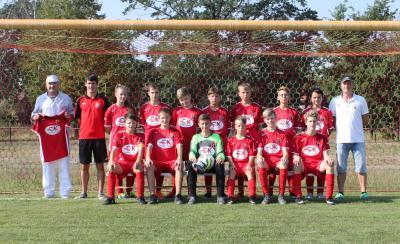 Foto zur Meldung: Neue Trikots für die Spielgemeinschaft Falkenberg/Uebigau C-Junioren