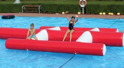 Foto zur Meldung: Neues Spielgerät fürs Schwimmbad Waldeck
