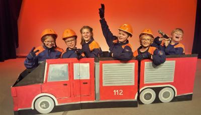 Unsere Feuerwehr kann sogar Treppen hochfahren!