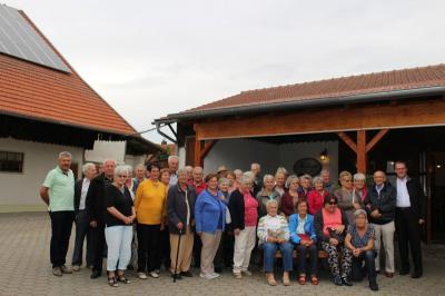 Foto zur Meldung: Die Senioren genossen eine herrliche Fahrt in die Oberpfalz, der Heimat von Diakon Dieterle und Gerlinde Zweck
