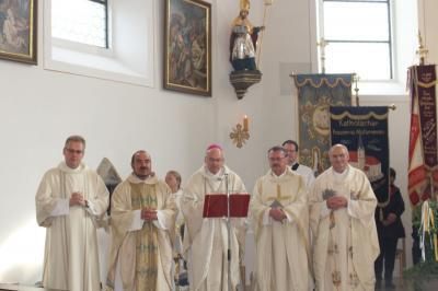 Vorschaubild zur Meldung: Diözesanbischof Dr. Rudolf Voderholzer besuchte die Pfarrei Prackenbach