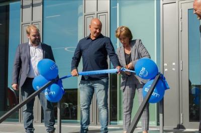 Foto zur Meldung: Gut für das regionale Wirtschaftsklima: Experte für Raumluftsysteme weiht neuen Standort in Falkensee ein