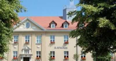 Unser Bild zeigt das Falkenseer Rathaus.