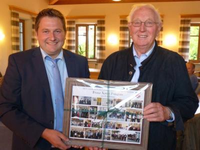 Foto zu Meldung: Mitarbeiter-Ehrung in der Gemeinde und Glückwünsche zum 80. Geburtstag