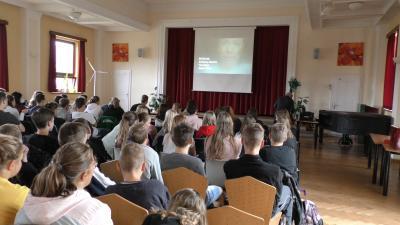 Foto zur Meldung: Alltagsdrogen im Visier - JugendFilmTage an der Oberschule
