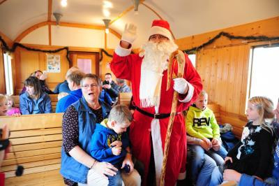 Der Nikolaus besucht die MKO.