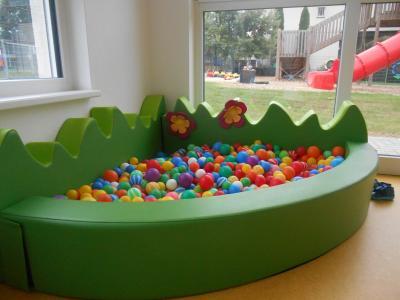 Vorschaubild zur Meldung: Bällebad für die Kleinsten der KiTa