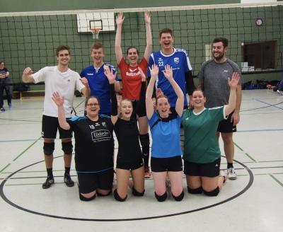 Foto zur Meldung: Volleyball Mixed sammelt weiter Punkte!