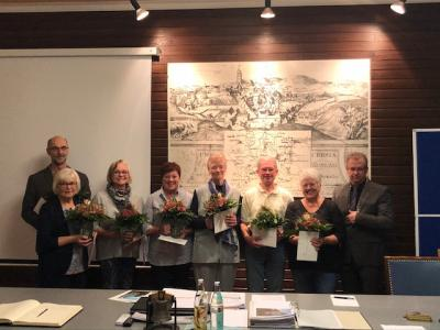 Von links: Christoph Abel, Monika Busch, Dagmar Schwab, Anita Imhof, Renate Weber, Wolfgang Böss, Marianne Abel und Bürgermeister Martin Dannhäußer
