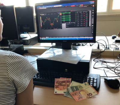 Vorschaubild zur Meldung: Erster Sieg beim Börsenspiel 2019