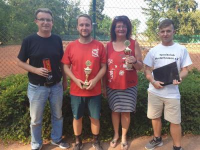 Foto zur Meldung: 35 Spieler - 33 Grad - 3 Glückliche Sieger  Das 42. Wusterhausener Tennisturnier war ein großer Erfolg!
