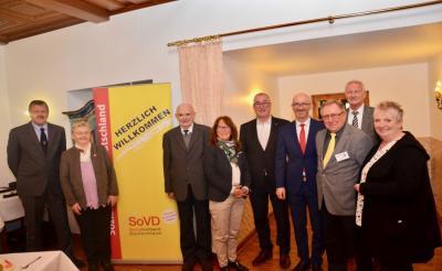 Vorstand und Gäste (Foto Ch. Weiß)