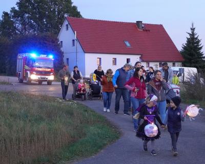 Vorschaubild zur Meldung: Weit über 100 Gäste zum Ehrenberger Lampionumzug am 26.10.2019