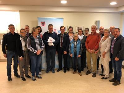 """Vorschaubild zur Meldung: Feierliche Übergabe des Förder-bescheides """"Unser starkes Dorf"""" am 4.11.2019 in Rhina"""